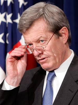 http://enduringsense1.files.wordpress.com/2009/12/baucus.jpg